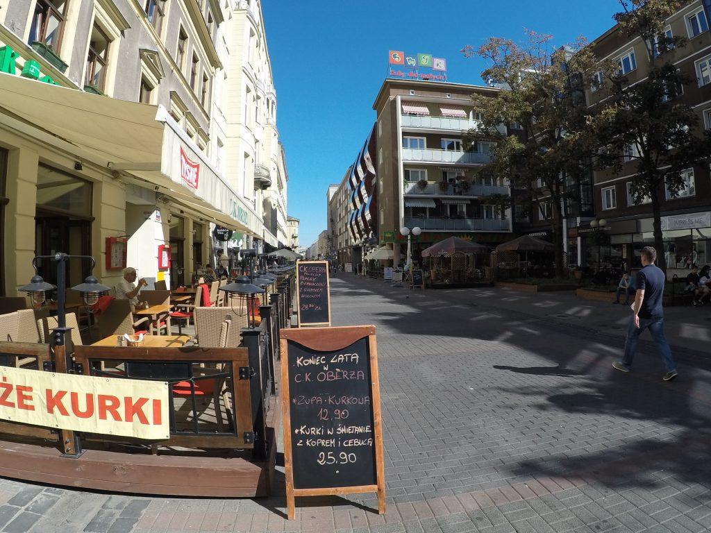 Promocje dnia na Chmielnej - 7 zasad taniego jedzenia na mieście