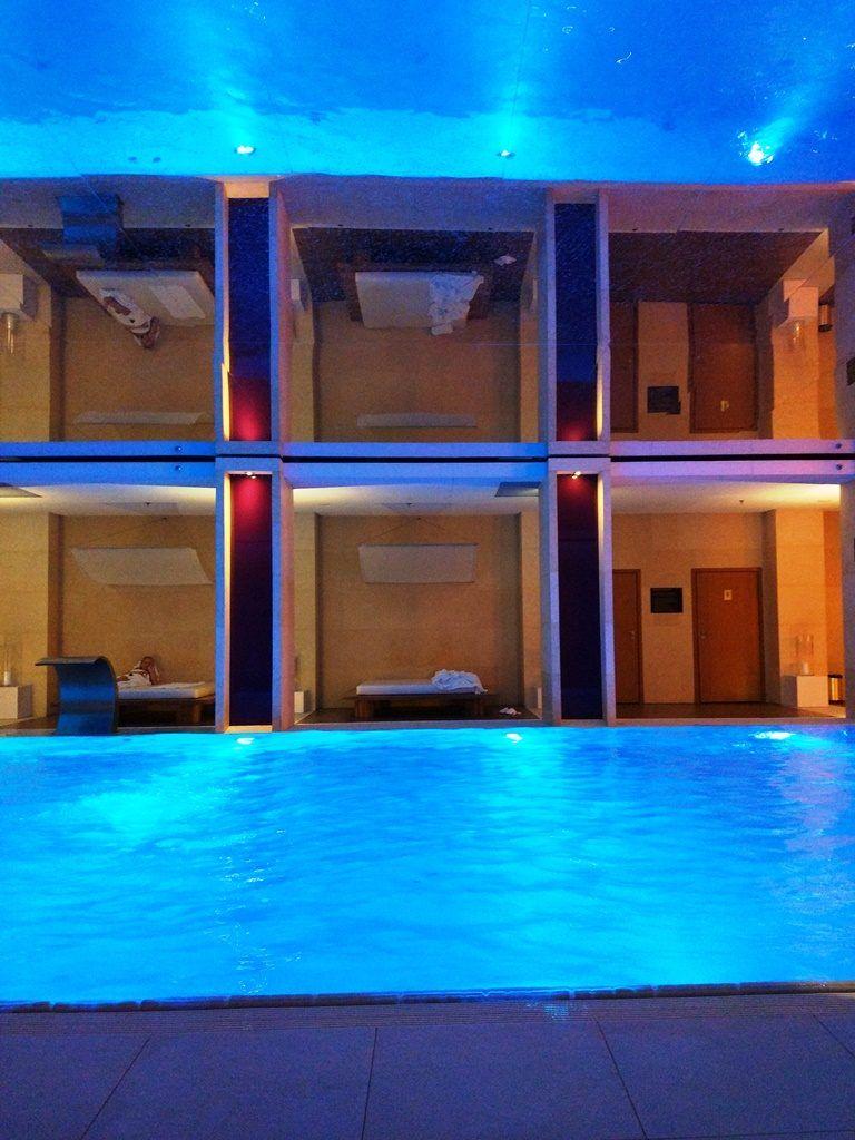 basen w hotelu Sofitel Victoria Warszawa