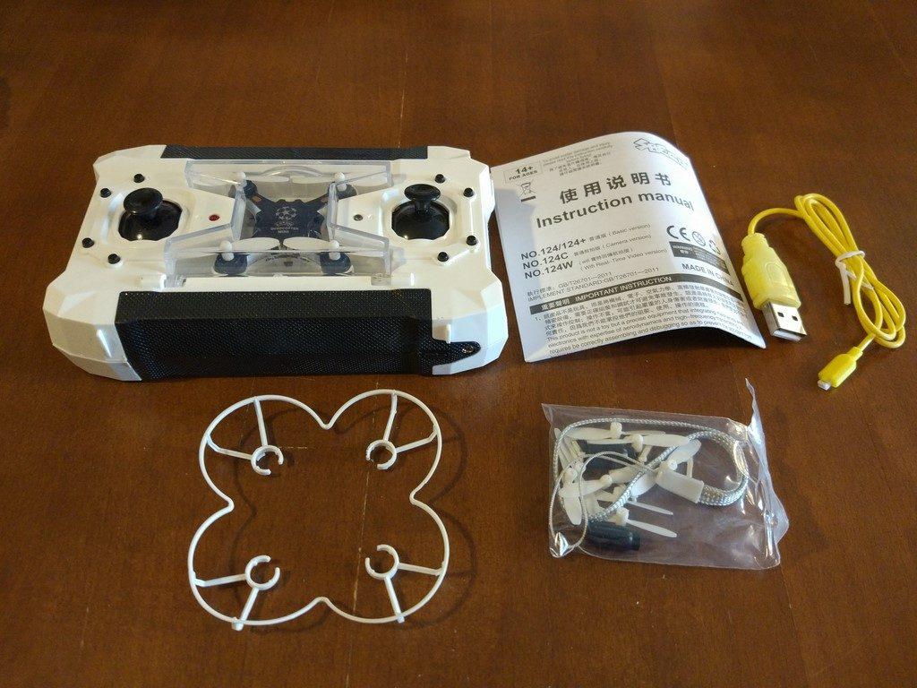 Zawartość pudełka z dronem