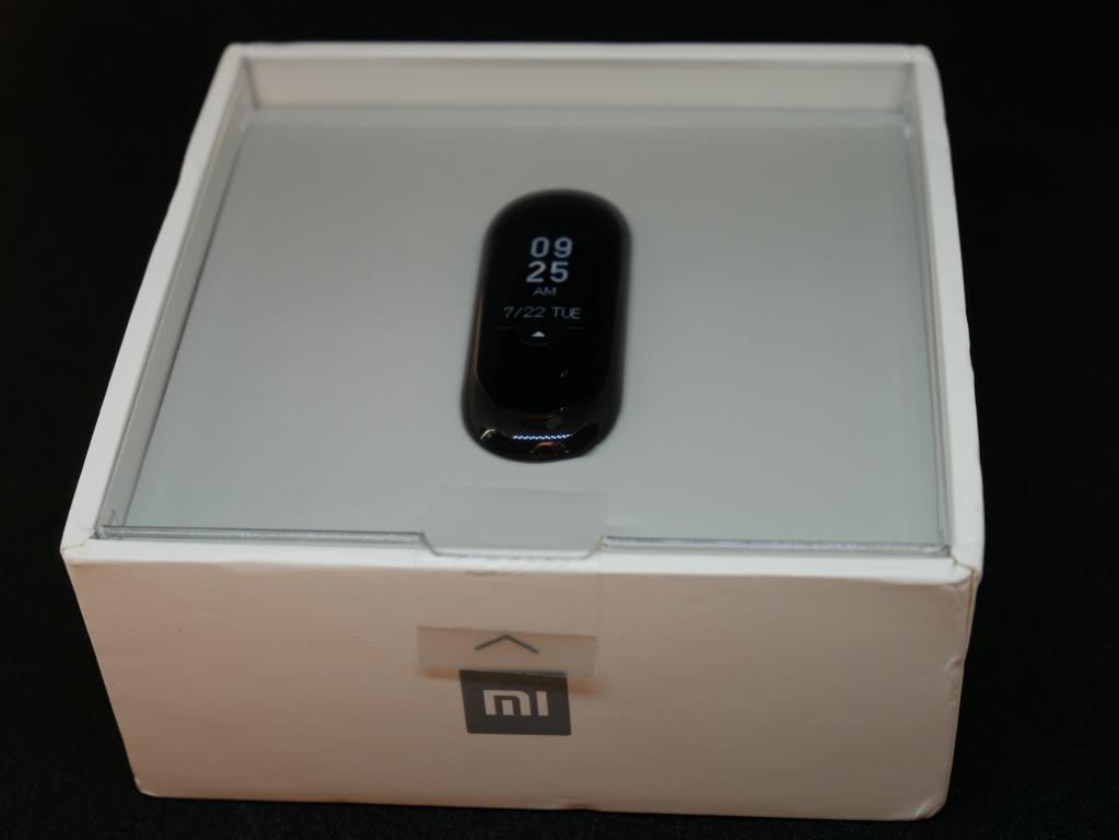 Recenzja opaski sportowej Xiaomi Mi Band 3 - pudełko