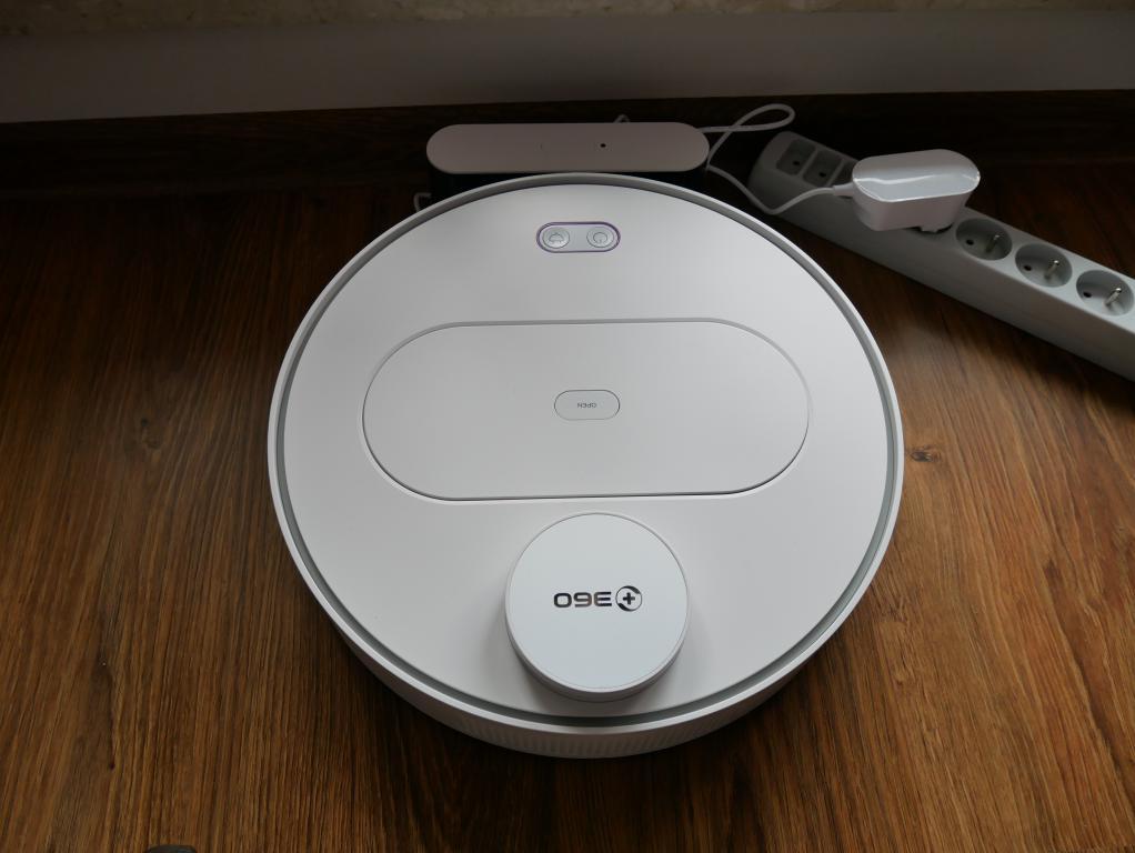 Recenzja 360 S6 - robota odkurzającego z mopowaniem - ładowanie
