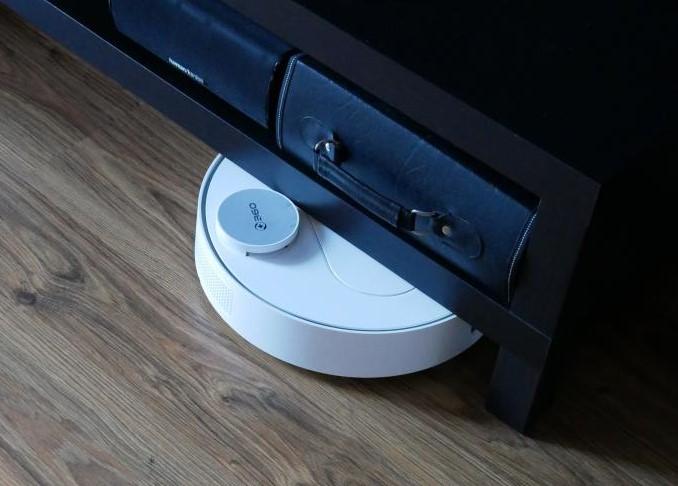 Recenzja 360 S6 - robota odkurzającego z mopowaniem - zderzenie z szafką