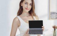 GPD Pocket 2 Mini Laptop - najmniejszy laptop na świecie - notebook od frontu