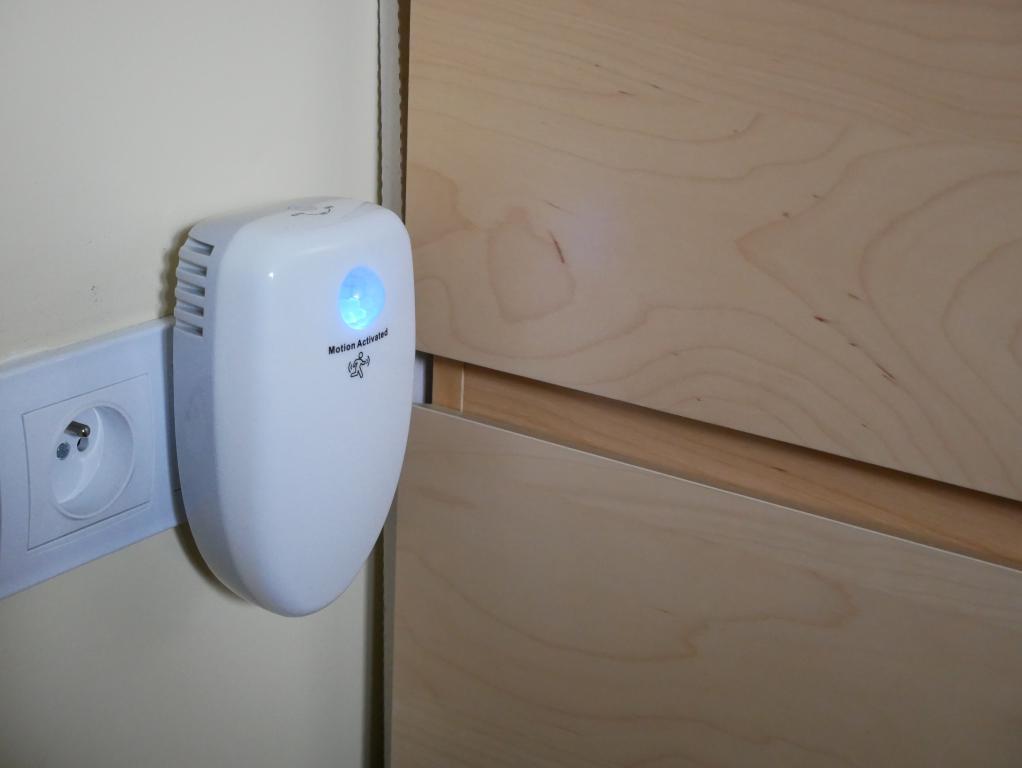 Oczyść powietrze za 100 zł z Alfawise Ai 202 - recenzja - włączony oczyszczacz