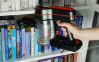 BlitzWolf BW-AR182 - recenzja bezprzewodowego odkurzacza - odkurzanie książek