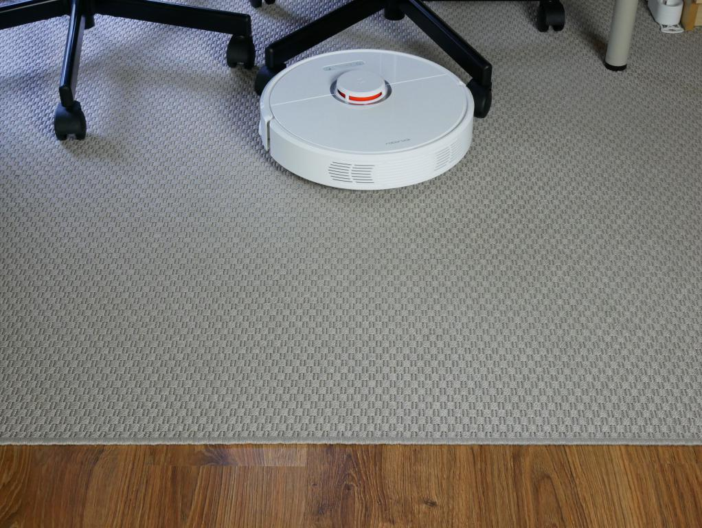Roborock S6 - recenzja robota odkurzającego najnowszej generacji - odkurzanie dywanów