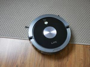 iLife A9S – recenzja robota odkurzającego - ilife A9s wjeżdża na dywan