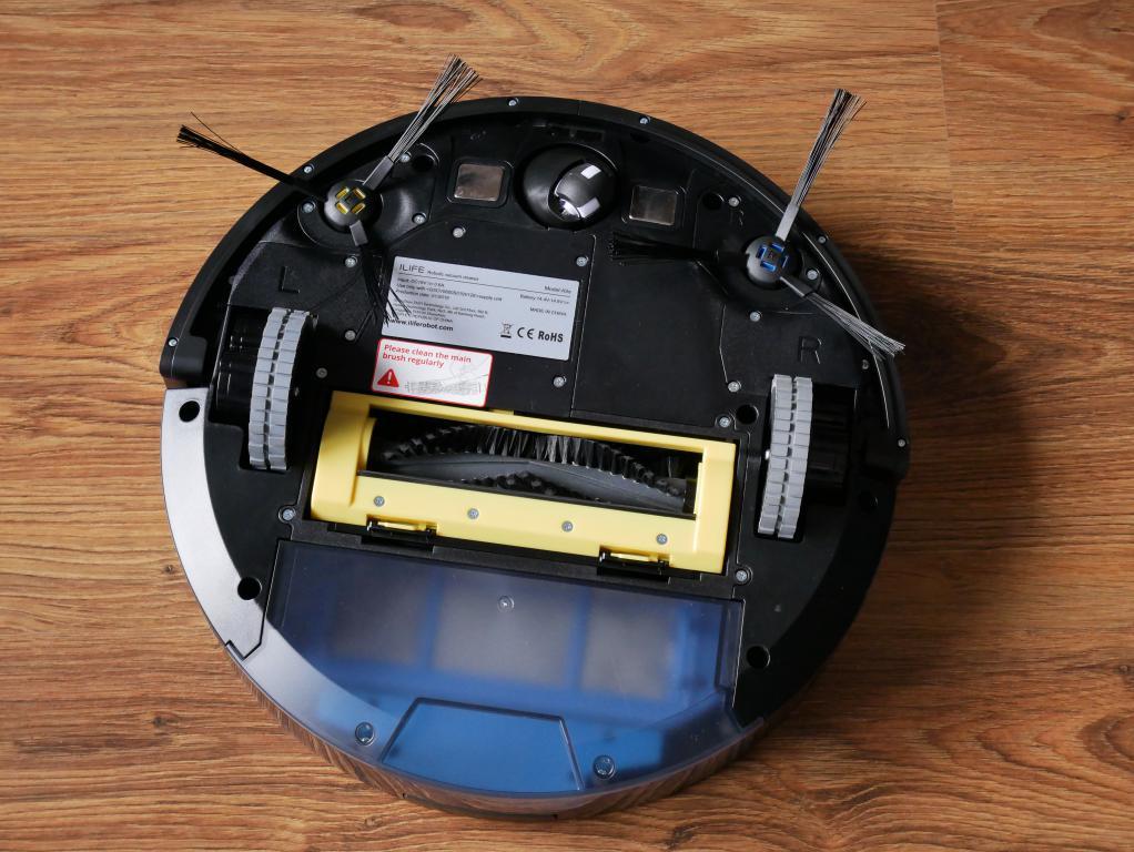iLife A9S – recenzja robota odkurzającego - spód robota - odkurzanie