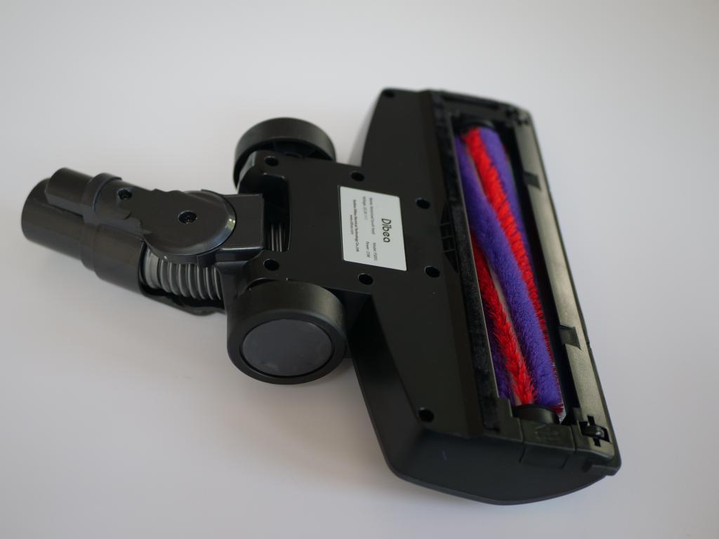 Dibea V008 PRO - recenzja taniego odkurzacza pionowego - duża turboszczotka