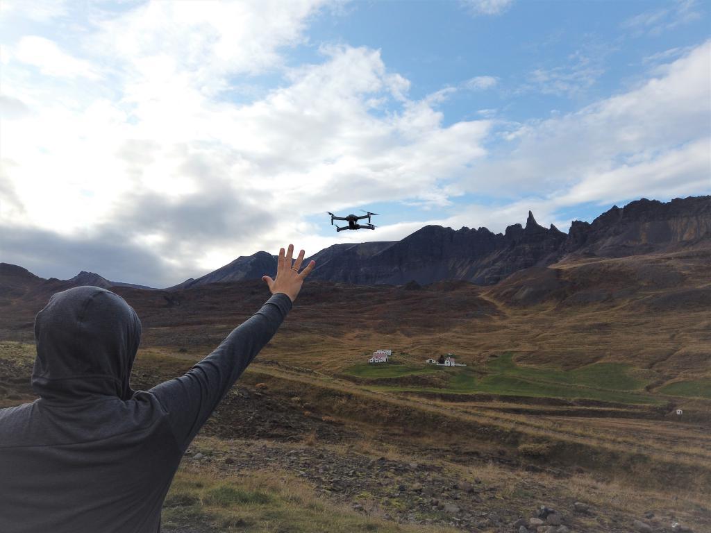 Recenzja drona SJRC F11 PRO - sterowanie gestami