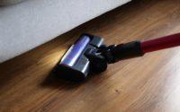 DIBEA F20 Max - recenzja bezprzewodowego odkurzacza o wielkiej mocy - lampki odkurzacza