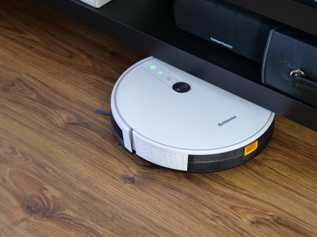 Alfawise V8S PRO - najlepszy robot sprzątający do 700 zł [recenzja] - pod szafką