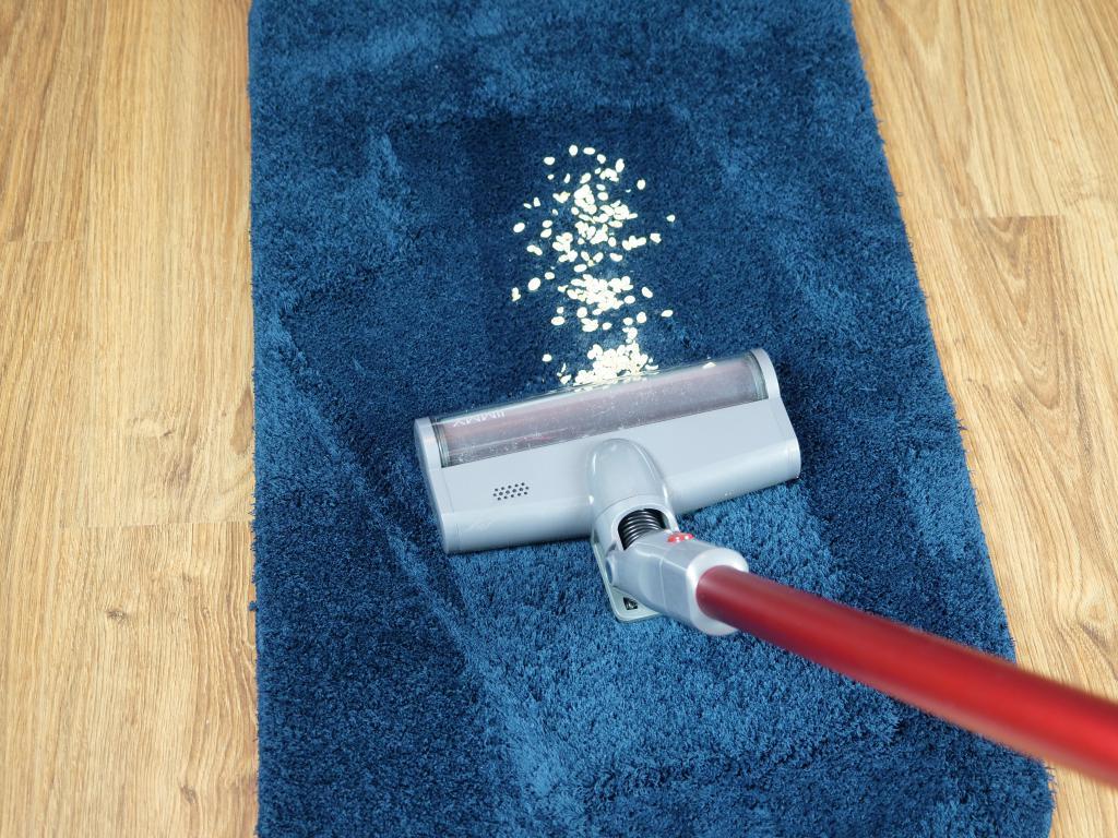 Jimmy JV65 - recenzja odkurzacza pionowego - odkurzanie dywanu