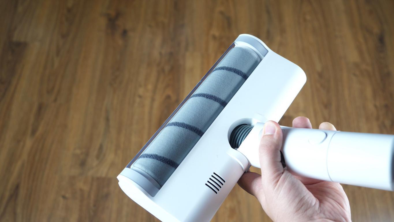 Dreame V10 Boreas - recenzja bezprzewodowego odkurzacza pionowego - duża elektroszczotka