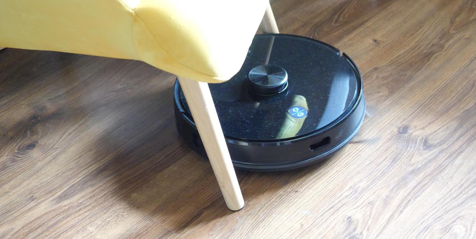 Proscenic M7 PRO - robot sprzątający ze stacją do automatycznego opróżniania pojemnika na kurz - odkurzanie między nogami