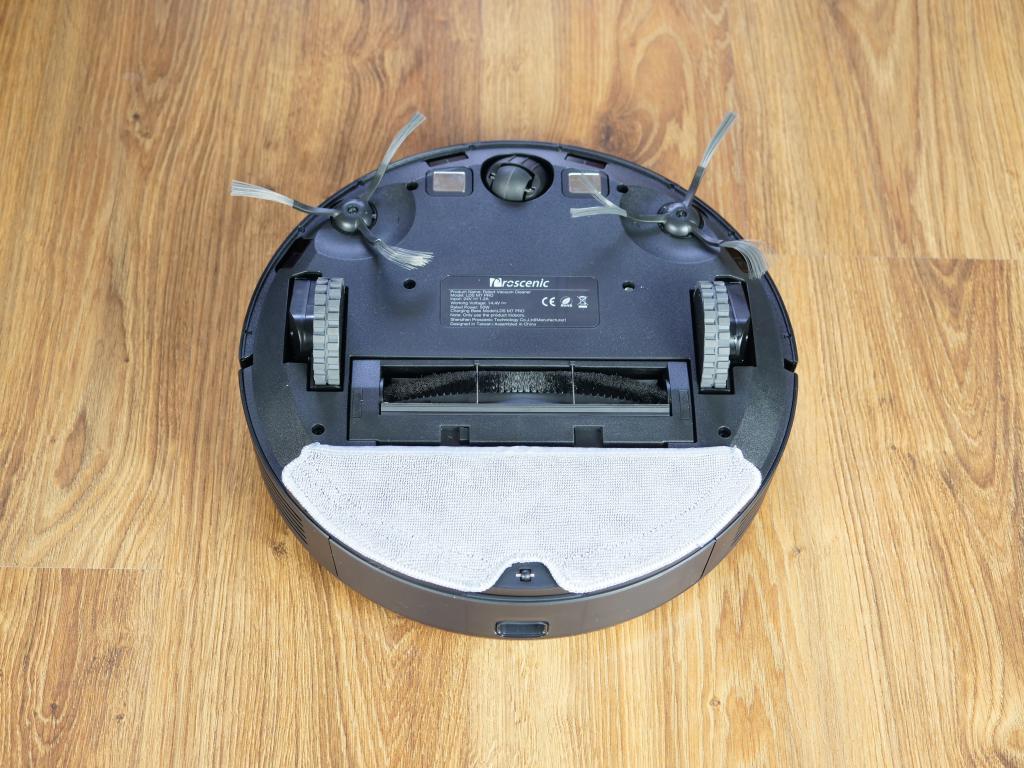 Proscenic M7 PRO - robot sprzątający ze stacją do automatycznego opróżniania pojemnika na kurz - spód robota z mopem