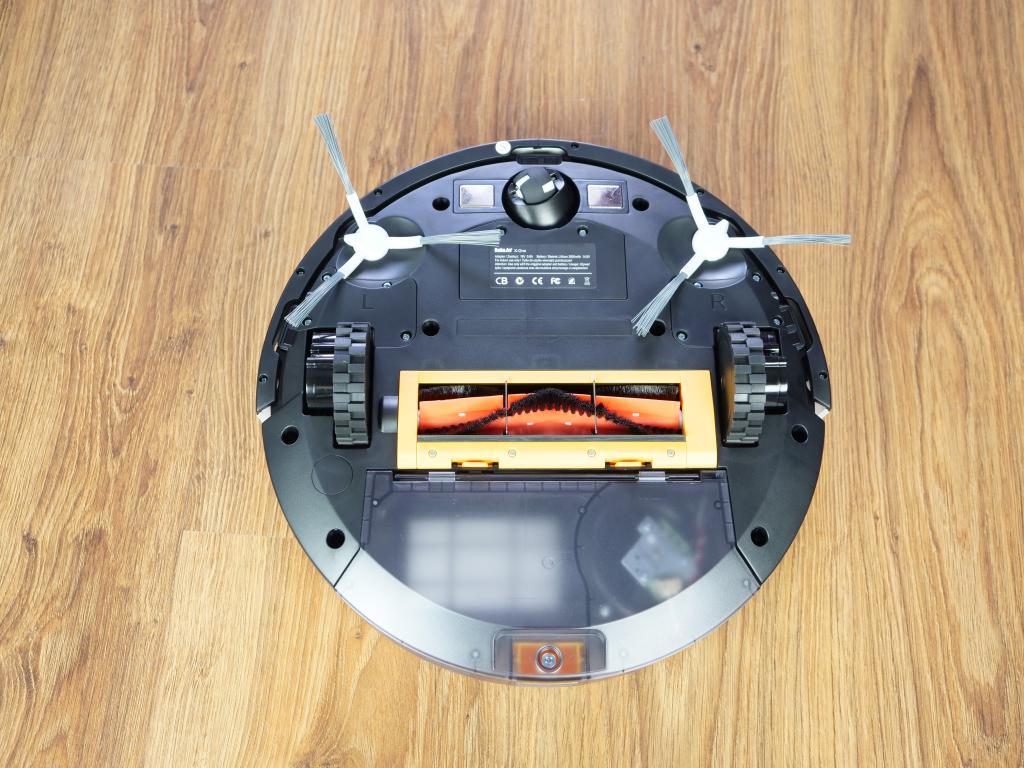 RoboJet X-One White - recenzja robota sprzątającego - podwozie