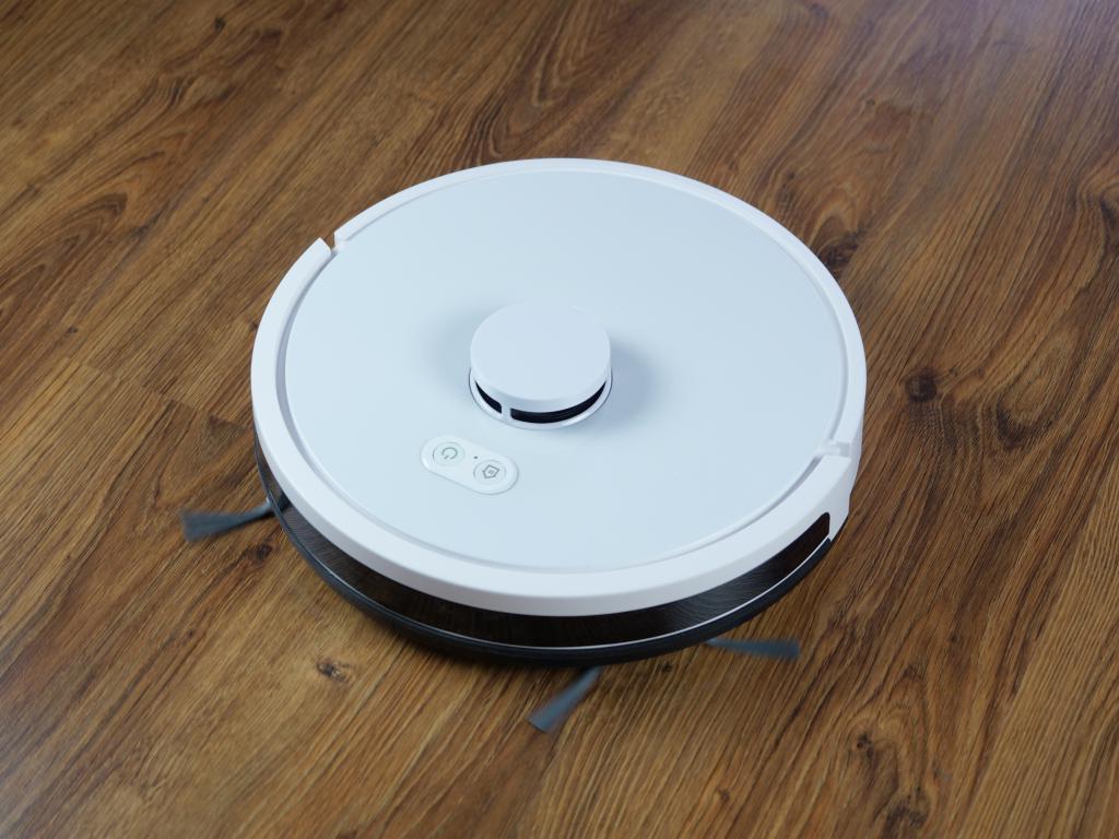 RoboJet X-One White - recenzja robota sprzątającego