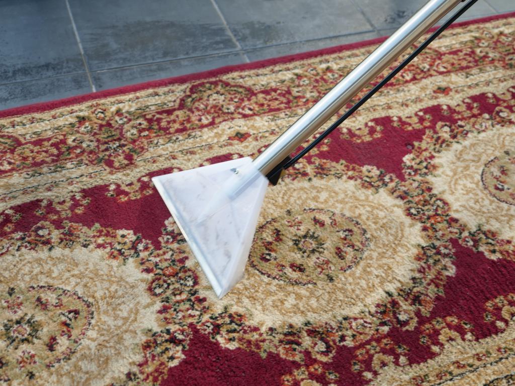 Numatic GVE370 George - recenzja odkurzacza piorącego z funkcją dezynfekcji - pranie dywanu
