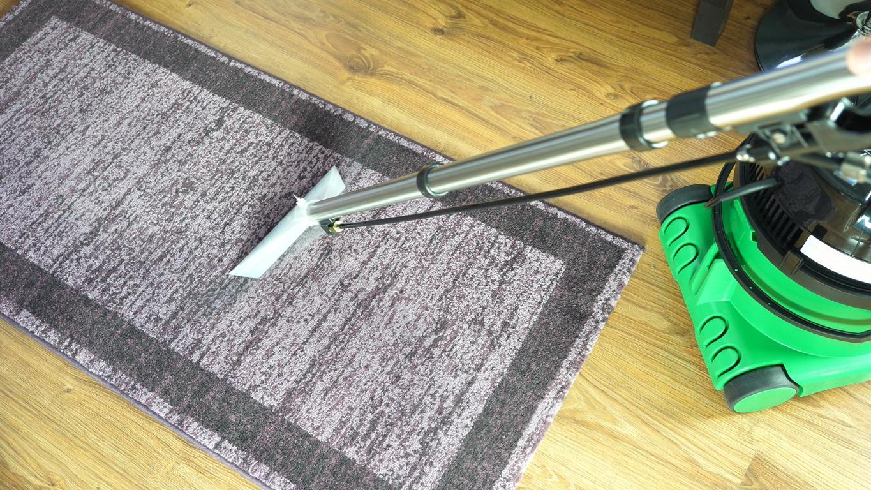 Numatic George GVE370 - recenzja - pranie dywanu