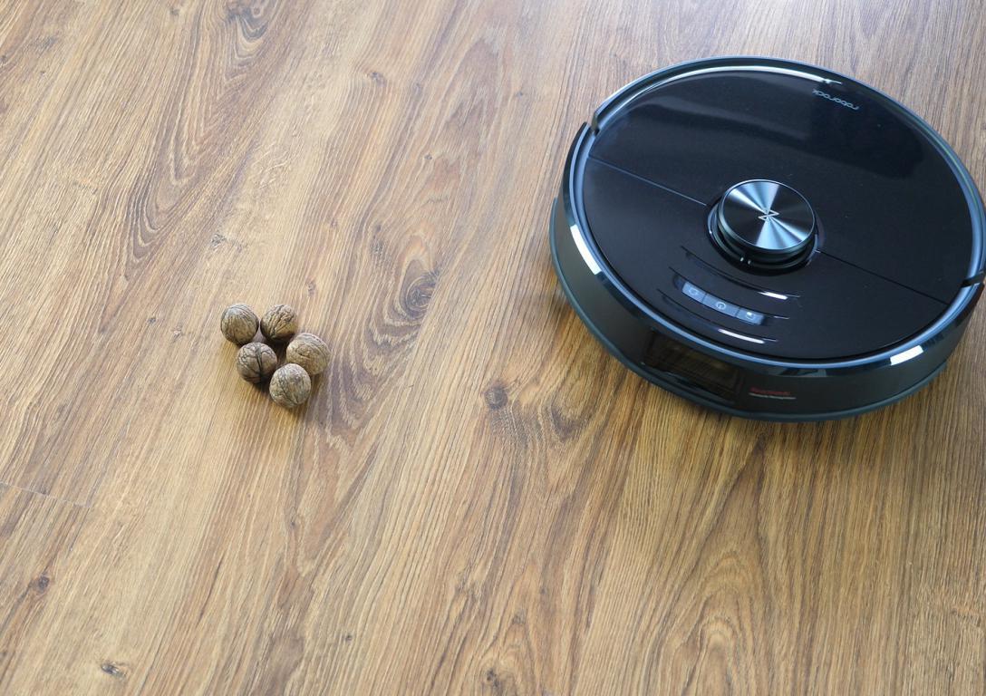 Roborock S6 MaxV - recenzja robota sprzątającego - omijanie psich odchodów