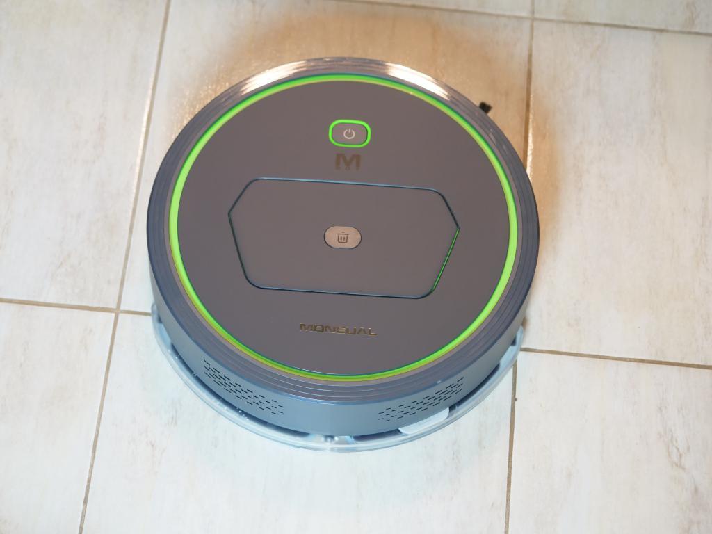 Moneual MBOT 500 - recenzja taniego robota odkurzającego z mopowaniem - mopowanie