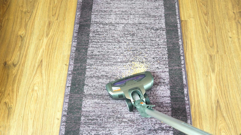 iLife H70 - odkurzanie na dywanie