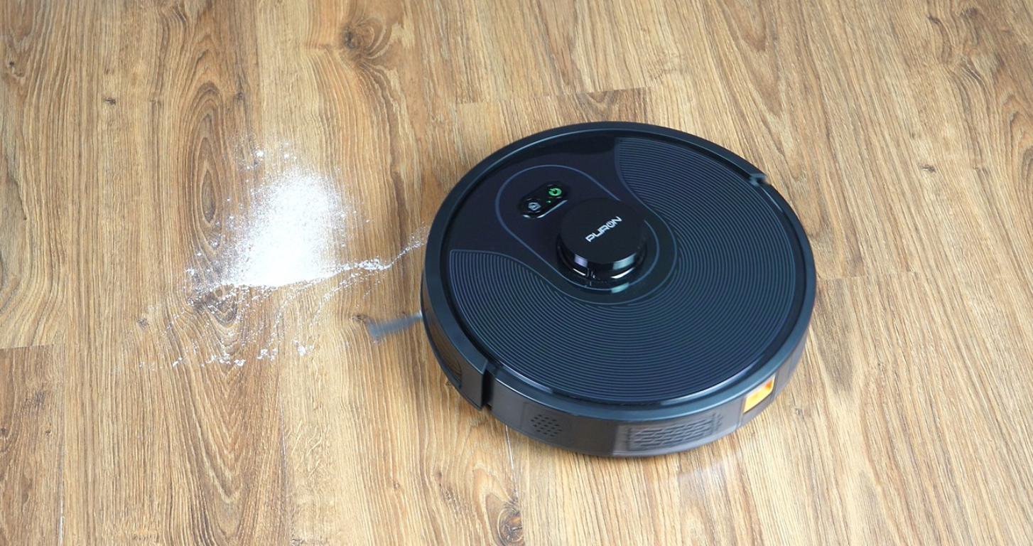 PURON PR10 - recenzja robota sprzątającego z lampą UV - odkurzanie mąki