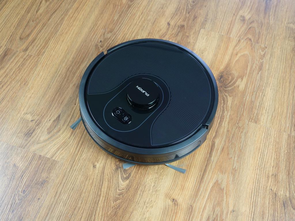 PURON PR10 - recenzja robota sprzątającego z lampą UV - robot z góry
