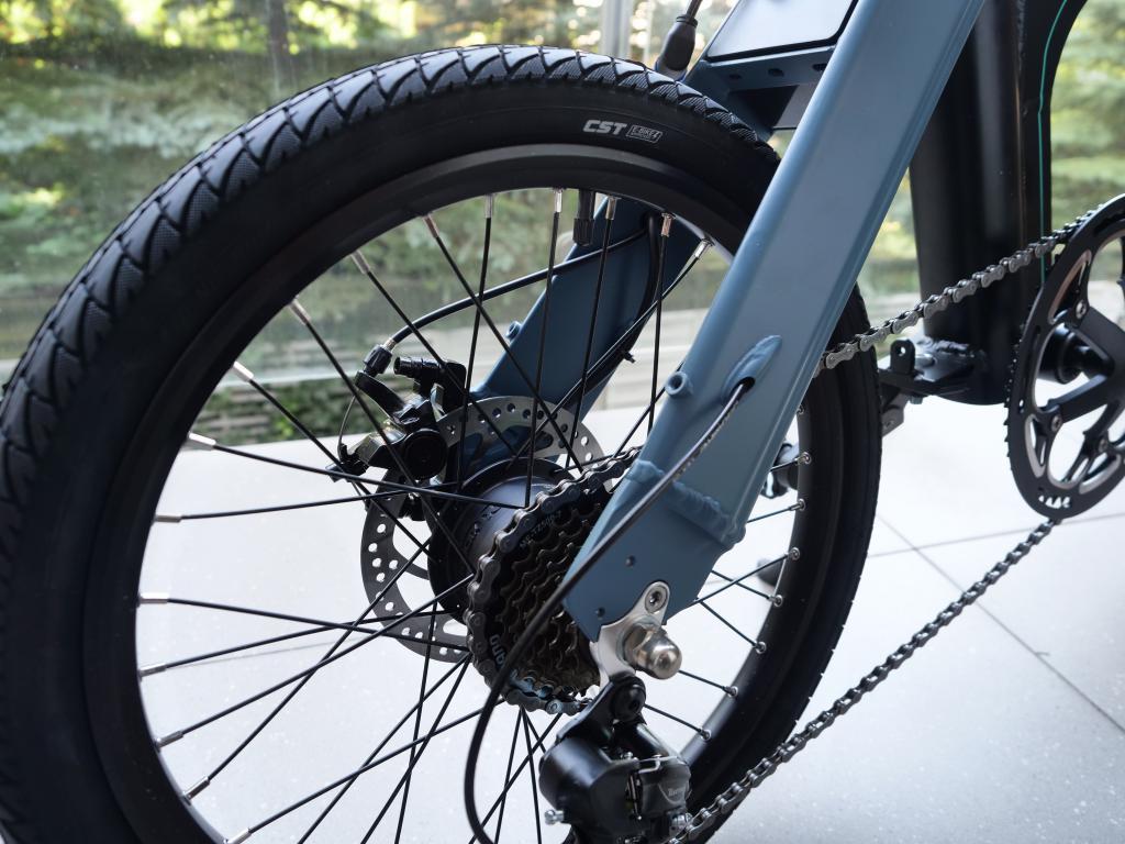 Fiido D11 - recenzja roweru elektrycznego o ogromnym zasięgu - przerzutki