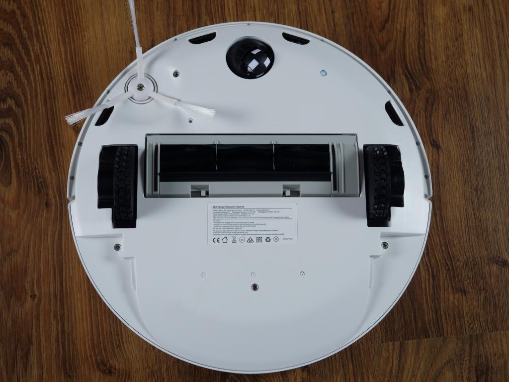 360 S9 - recenzja robota sprzątającego - spód robota