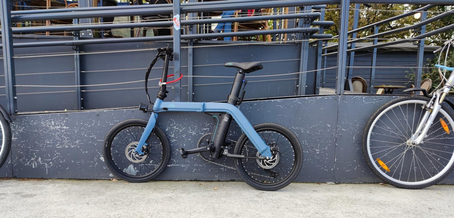 Fiido D11 - recenzja roweru elektrycznego - parkowanie