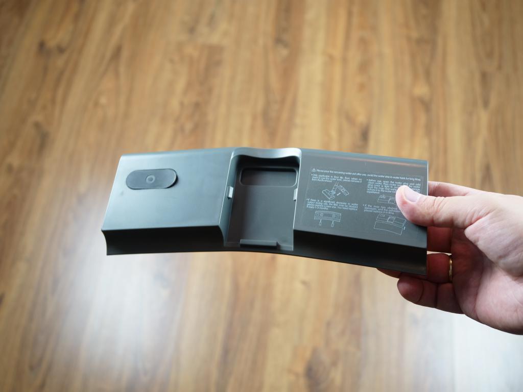 Jimmy JV65 Plus - recenzja odkurzacza pionowego z mopem - pojemnik na wodę
