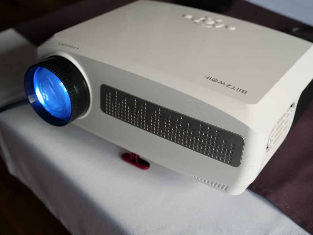 Blitzwolf BW-VP6 - recenzja projektora Full HD w super cenie - projektor