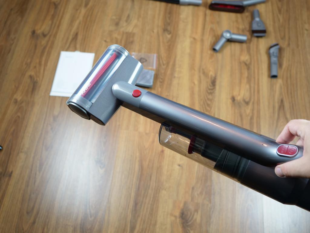 Jimmy JV65 Plus - recenzja odkurzacza pionowego z mopem - mała elektroszczotka do tapicerek