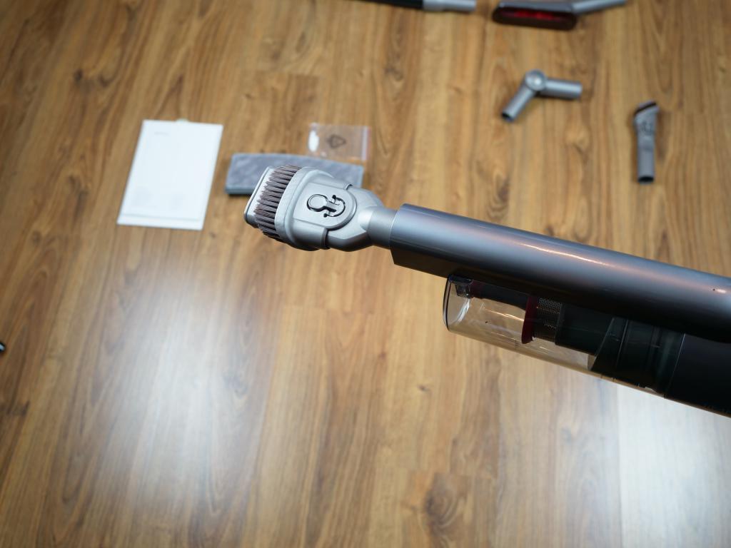 Jimmy JV65 Plus - recenzja odkurzacza pionowego z mopem - szeroka ssawka