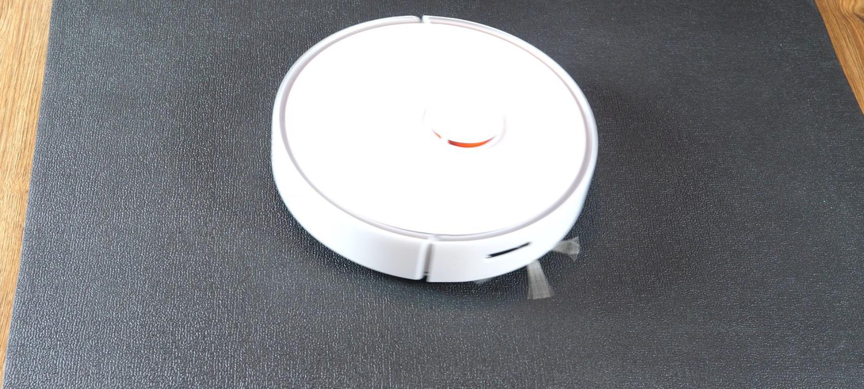 Roborock S6 Pure - recenzja robota sprzątającego - jazda po czarnym