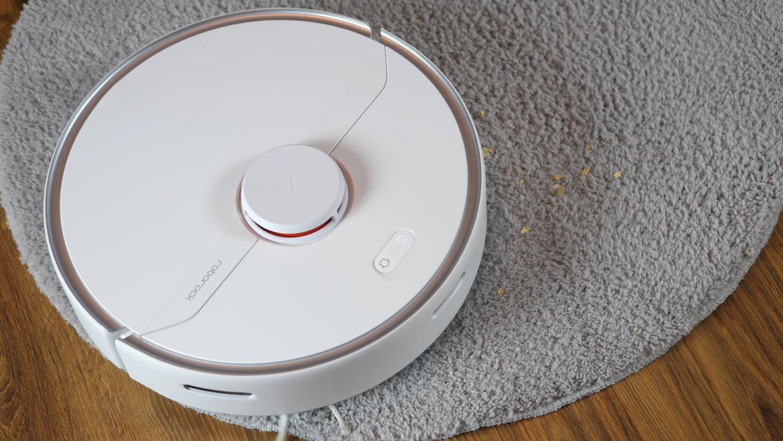 Roborock S6 Pure - recenzja robota sprzątającego - odkurzanie dywanu