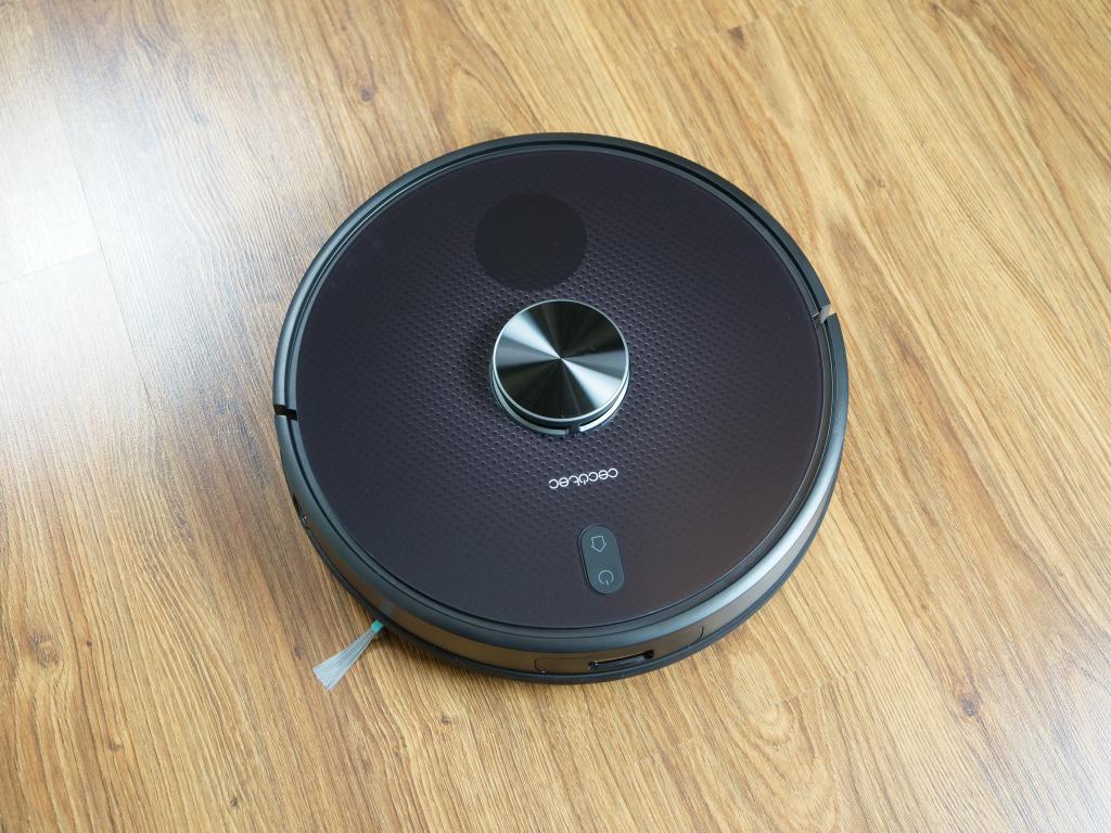 Cecotec Conga 5490 - recenzja robota sprzątającego o ogromnej mocy