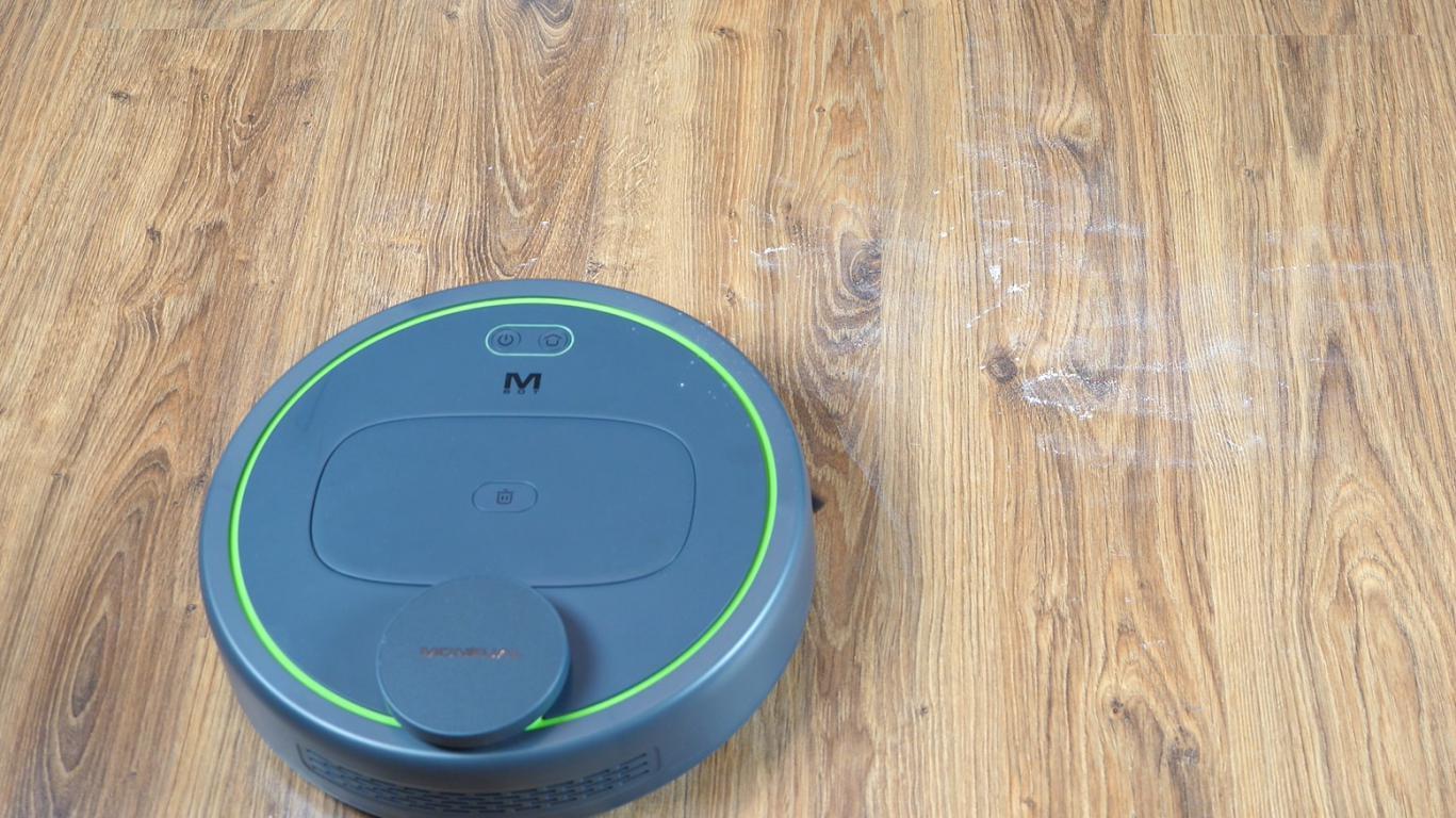 Moneual MBOT 950 - recenzja robota sprzątającego - odkurzanie mąki
