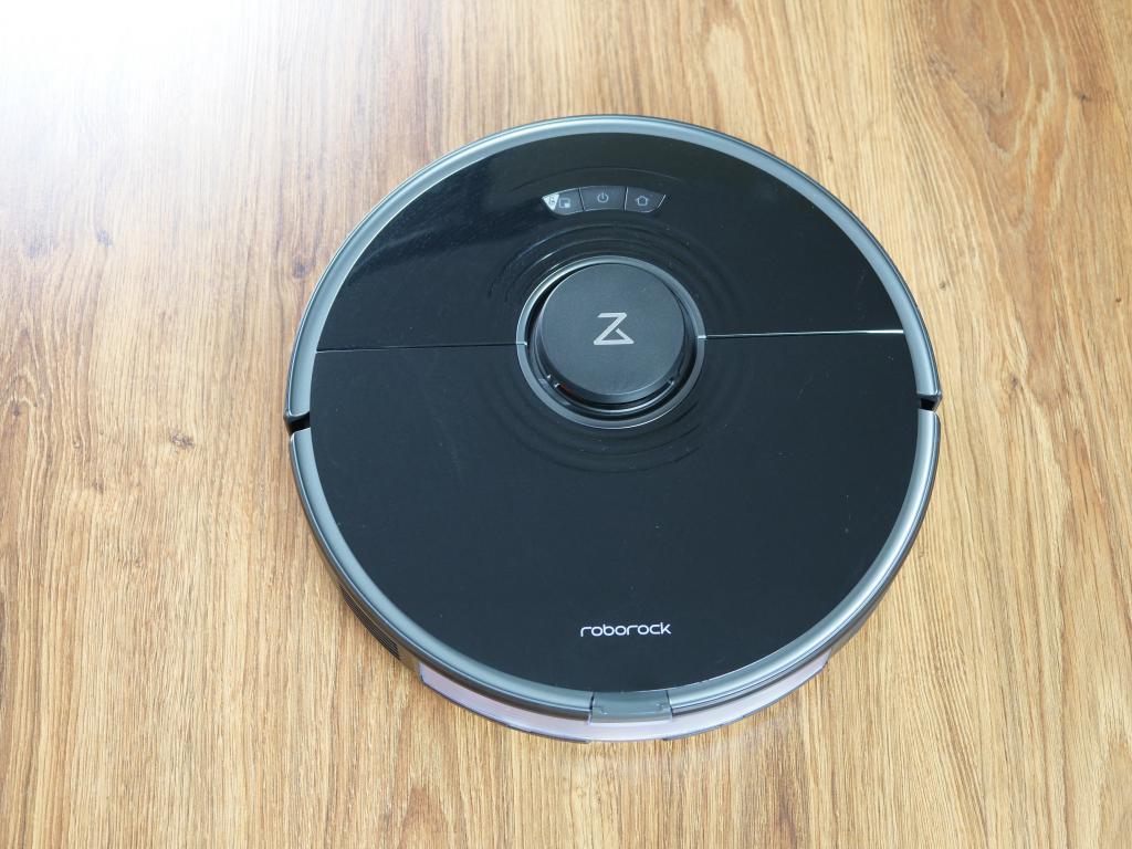 Roborock S7 - recenzja robota sprzątającego z sonicznym mopem - robot z góry