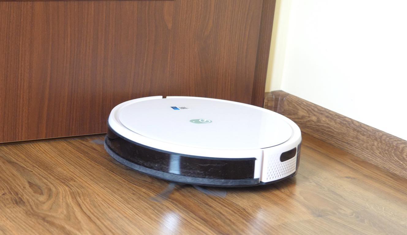 Yeedi K650 - robot sprzątający - odkurzanie kątów