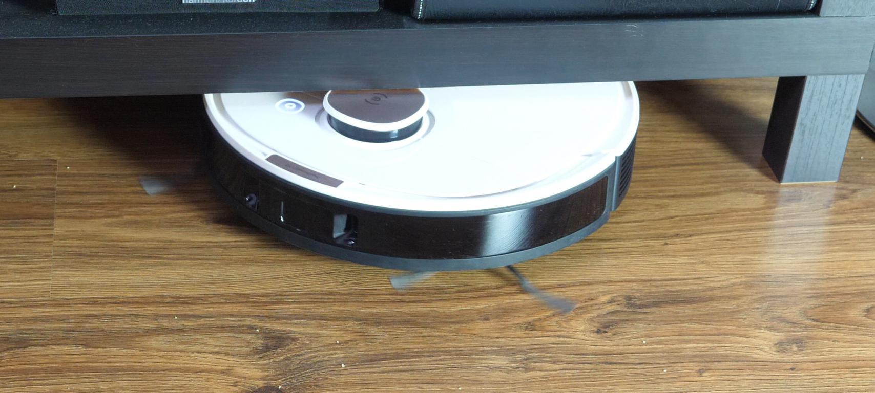 Ecovacs Deebot OZMO T8+ - recenzja robota sprzątającego - wysokość robota