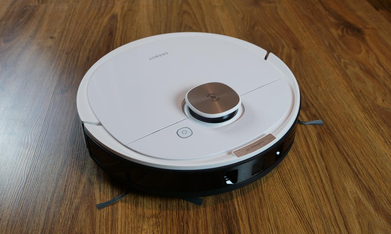 robot sprzątający Ecovacs Deebot OZMO T8+ - recenzja