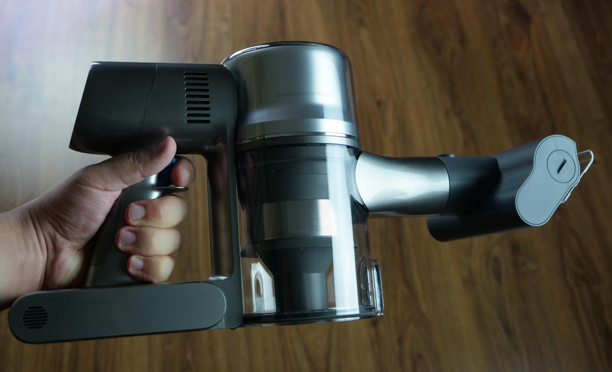 Dreame T20 PRO - recenzja - mała elektroszczotka do tapicerek