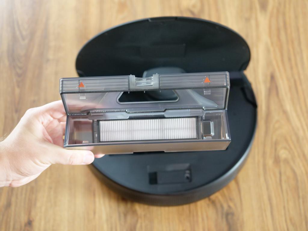 Dreame Bot D9 Max - recenzja robota sprzątającego o zwiększonej mocy - pojemnik na kurz