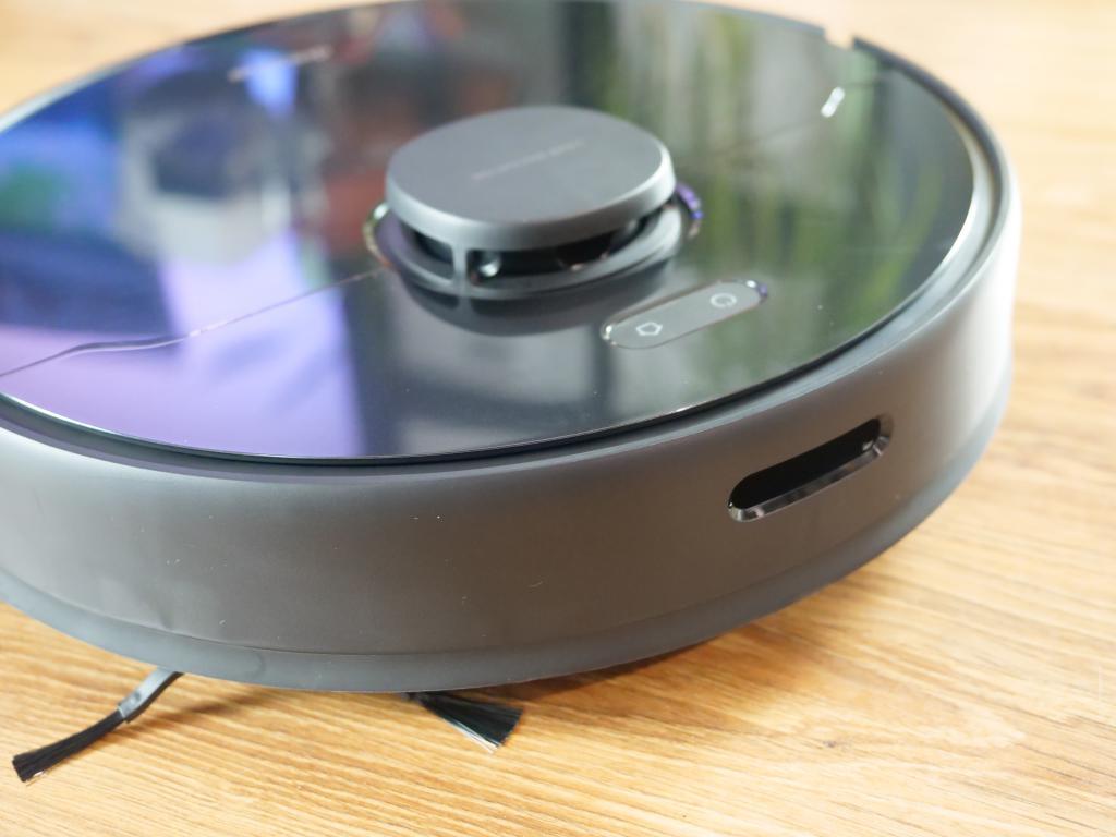 Dreame Bot D9 Max - recenzja robota sprzątającego o zwiększonej mocy - zderzak