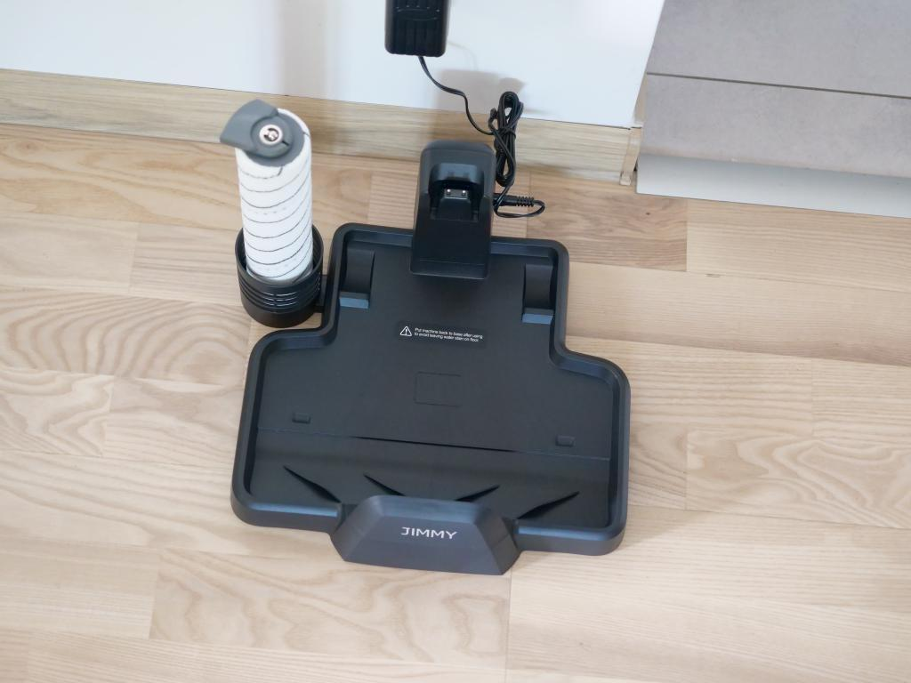 Jimmy PowerWash HW8 Pro - recenzja odkurzacza mopującego - stacja ładowania - stojak